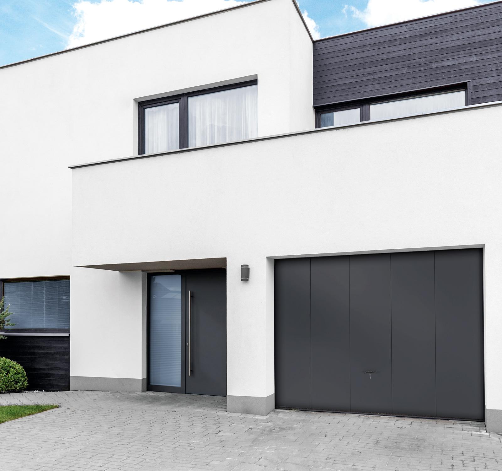 Garagen-Sektionaltor in dark grey